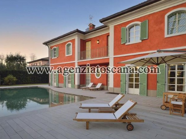 Wonderful Villa Of New Construction With Pool