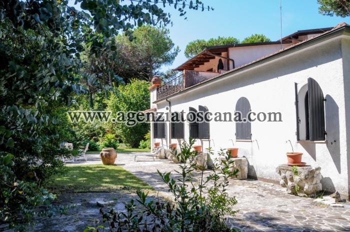 Villa in vendita, Massa - Poveromo -  1