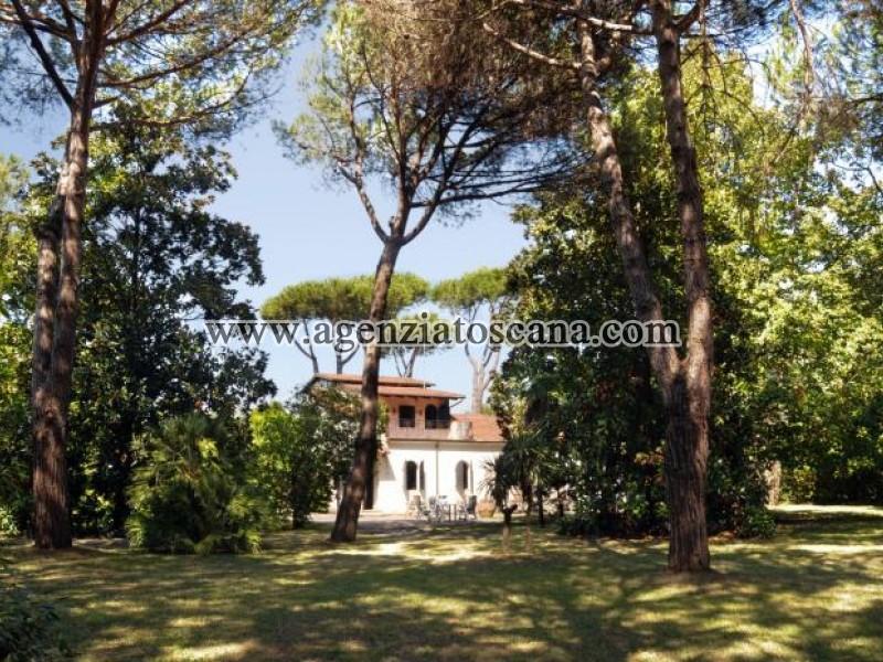 Stupenda Villa Storica Con Parco A 10 Minuti Da Forte Dei Marmi