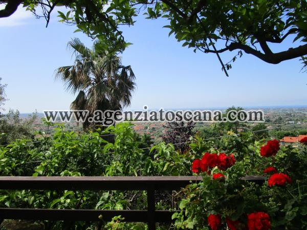 Villa In Collina Con Vista  Mare