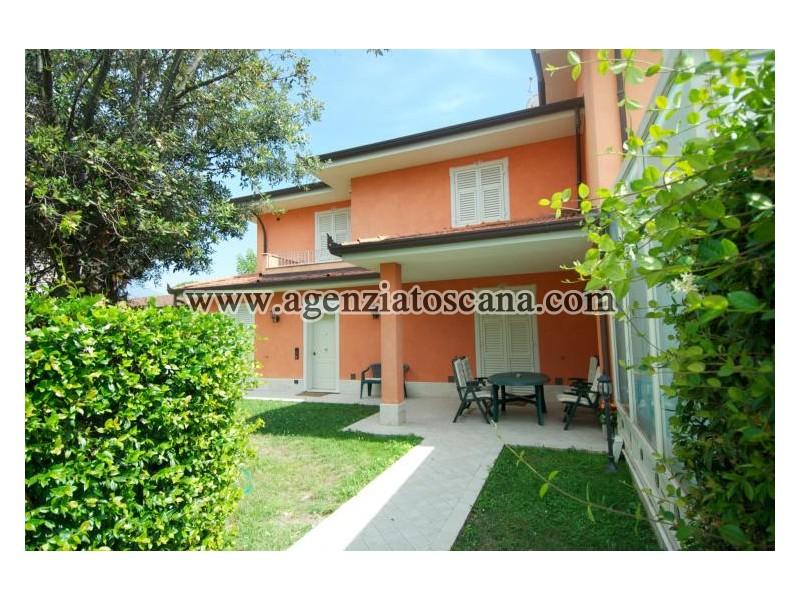Villa Bifamiliare in vendita, Forte Dei Marmi - Centrale -  0