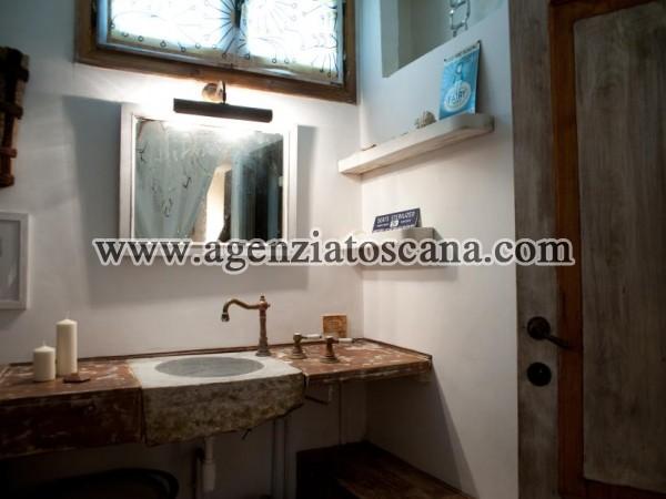 Villa With Pool for rent, Pietrasanta - Val Di Castello -  28