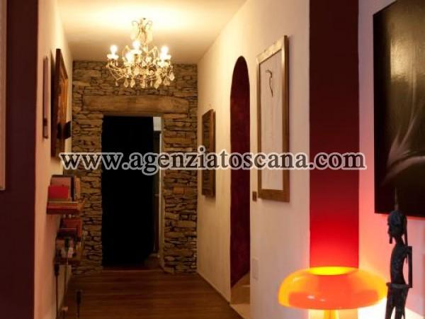 Villa With Pool for rent, Pietrasanta - Val Di Castello -  23