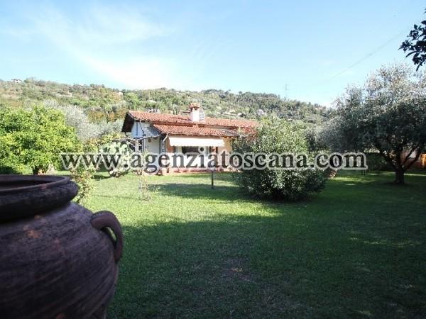 Villa/colonica A Piano Terra Con Grande Giardino