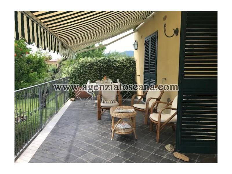 Villa Con Piscina in vendita, Seravezza - Marzocchino -  3