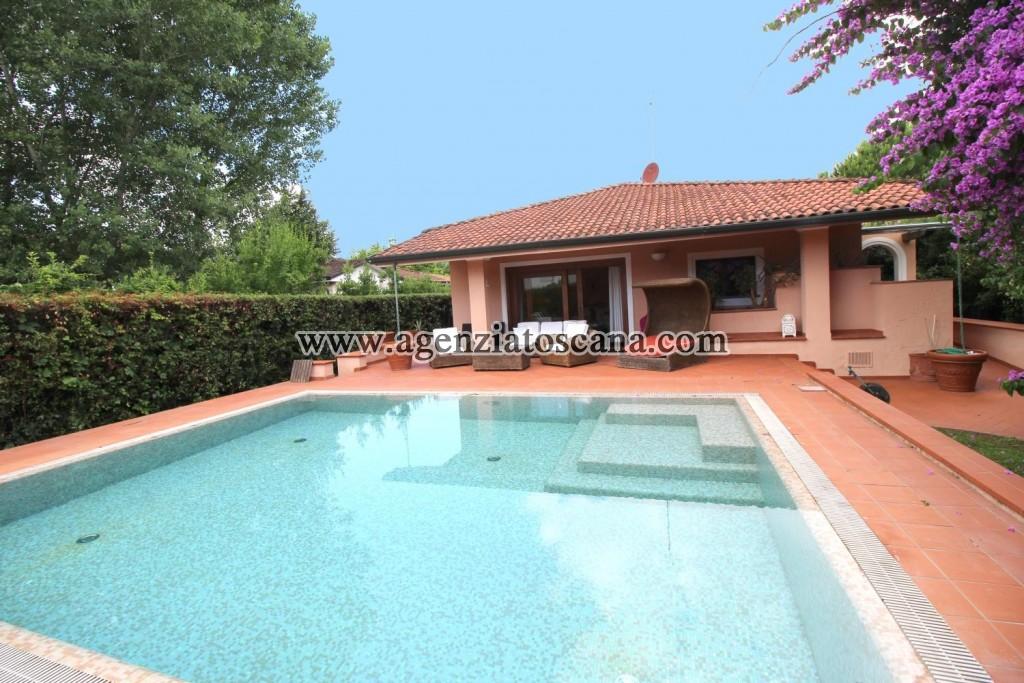 Villa Con Piscina in vendita, Forte Dei Marmi - Vittoria Apuana -  0