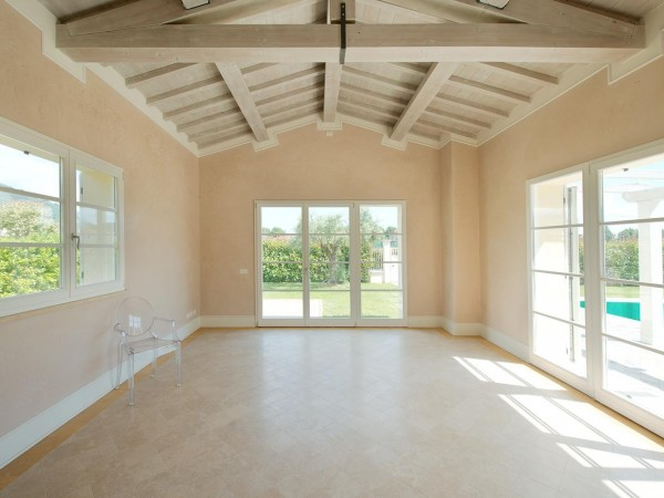 Rif. V705 - villa singola in vendita a Pietrasanta | Foto 1