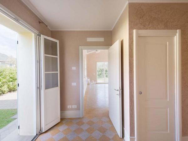 Rif. V705 - villa singola in vendita a Pietrasanta | Foto 2