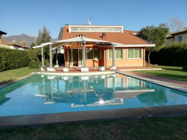 Riferimento 2121 - Villa Singola in Affitto a Forte Dei Marmi