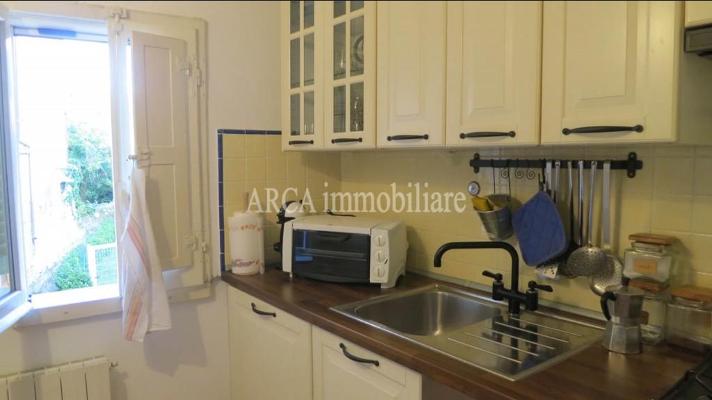 Appartamentoin Vendita, Pietrasanta - Zona Residenziale - Riferimento: A2728