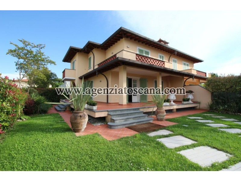 Two-family Villa In Luxury Area