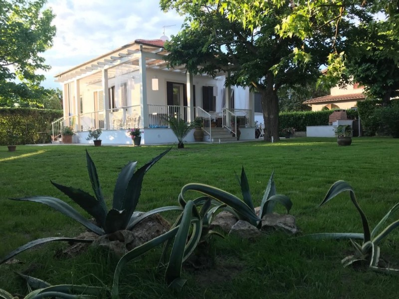 Rif. 2125 - villa bifamiliare in affitto a Forte Dei Marmi | Foto Principale