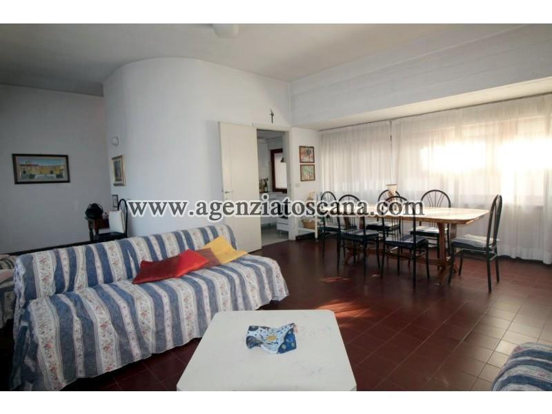 Appartamento in vendita, Forte Dei Marmi - Zona Via Emilia -  2