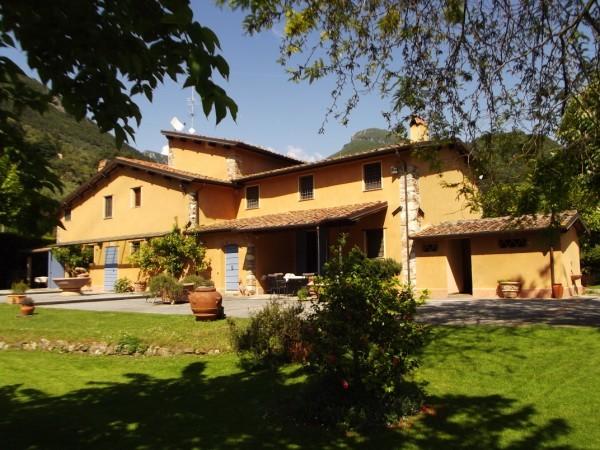 Riferimento 236 - Villa in Vendita a Pietrasanta