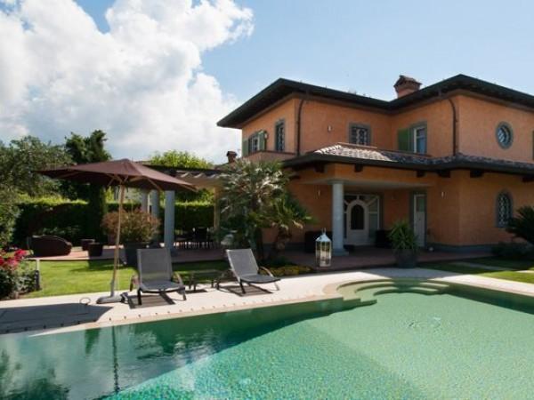 Riferimento 19-10 PL - Villa in Affitto a Forte Dei Marmi