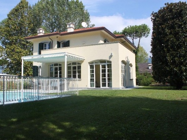 Reference 109-10 PL - Villa  for Rent in Forte Dei Marmi