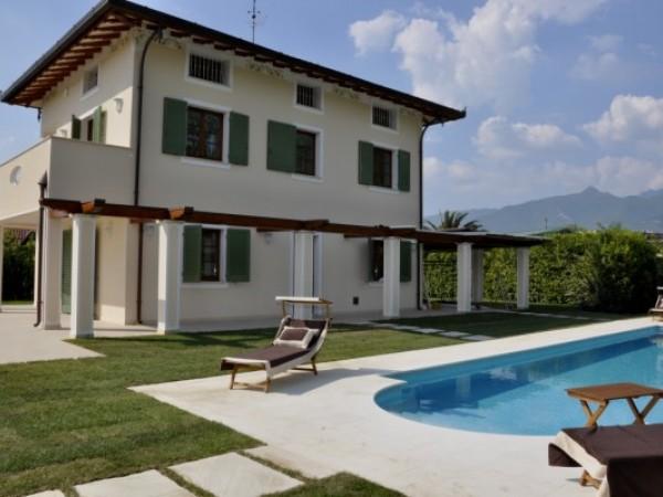 Riferimento 188 - Villa in Vendita a Forte Dei Marmi