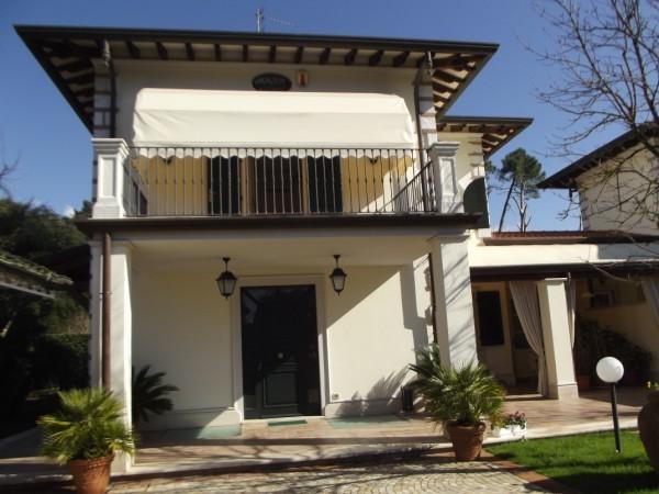 Riferimento 52-9 PL - Villa Bifamiliare in Affitto a Forte Dei Marmi