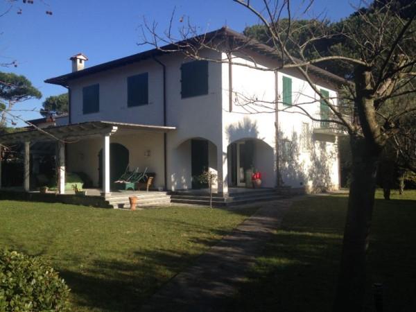 Riferimento 295 - Villa in Vendita a Forte Dei Marmi