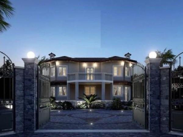 Riferimento 301 - Villa Singola in Vendita a Forte Dei Marmi