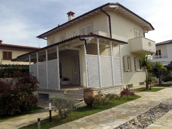 Riferimento 310 - Villa in Vendita a Marina Di Pietrasanta