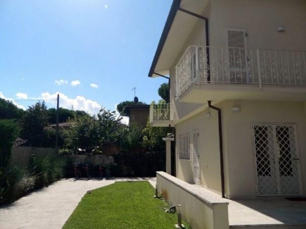 Riferimento 368 - Villa in Vendita a Forte Dei Marmi