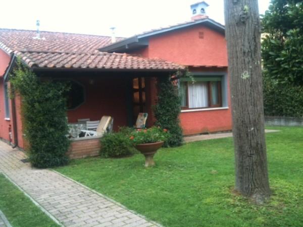 Riferimento 071-6 PL - Villa in Affitto a Forte Dei Marmi