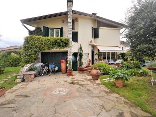 Riferimento 416-3 - Villa in Vendita a Marina Di Pietrasanta