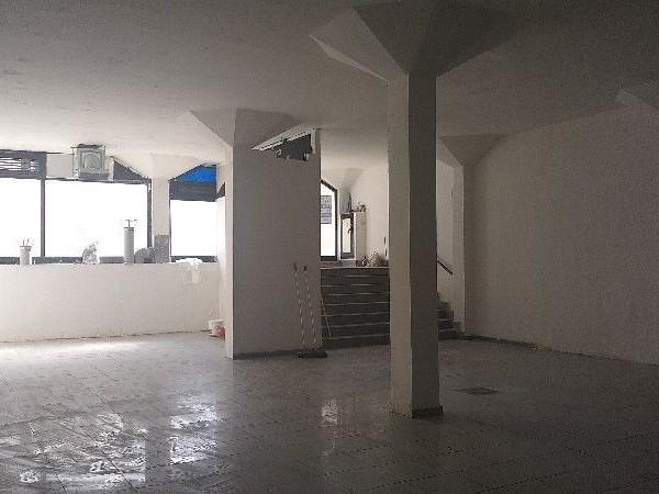 Riferimento C041_E - Locale Commerciale in Affitto a Centro
