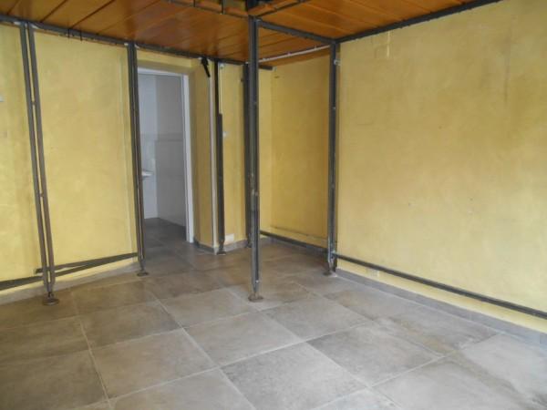 Riferimento C042_E - Locale Commerciale in Affitto a Civitavecchia