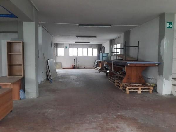 Riferimento 2472 - Magazzino in Affitto a Pistoia