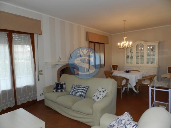 Riferimento SA141monti - Villa Bifamiliare in Affitto a Marina Di Pietrasanta