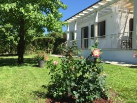 Riferimento BAF1168 - Villa Bifamiliare in affitto a