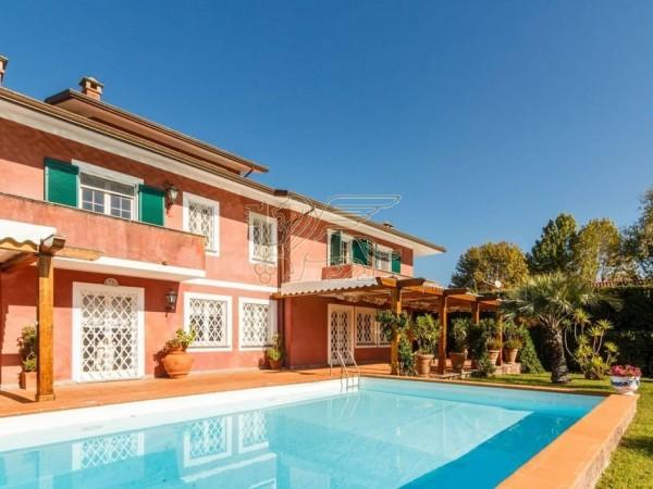Villa con Piscina in vendita, Forte dei Marmi, Centro