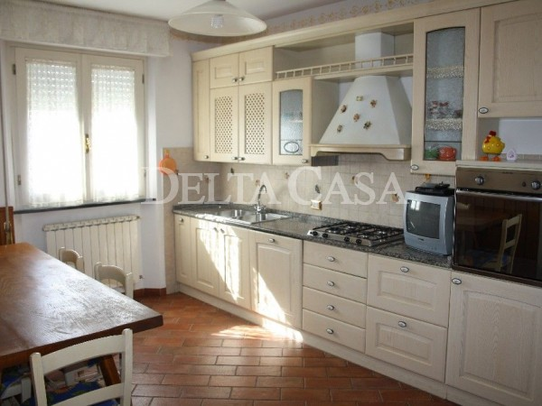 Reference LC004VU - Villa - Villetta for Affitto in Lido Di Camaiore