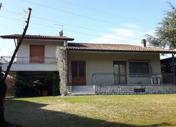 Villa in affitto con bel giard