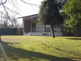 Riferimento VV1005 - Villa in affitto a