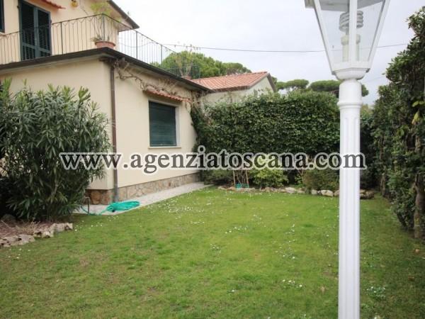 Villa Bifamiliare in affitto, Forte Dei Marmi - Vittoria Apuana -  1