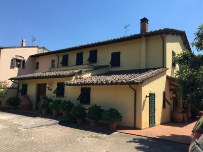 Villa Bifamiliare In Vendita, Calcinaia - Riferimento: 601-foto1