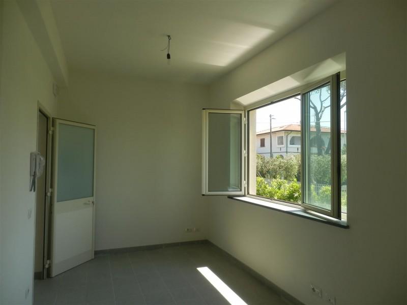 Casa Indipendente In Vendita, Camaiore - Lido Di Camaiore - Riferimento: 454