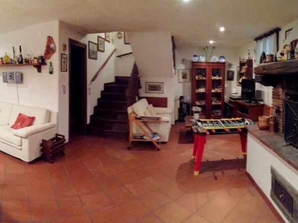 Riferimento 1T2.501 - Villa Bifamiliare in Vendita a Viareggio