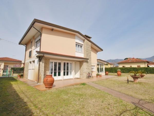 Riferimento WA 15301 - Villa Singola in Vendita a Marina Di Pietrasanta