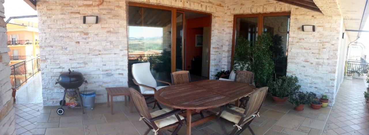 Appartamento in vendita a Montenero di Bisaccia, 8 locali, prezzo € 210.000 | PortaleAgenzieImmobiliari.it