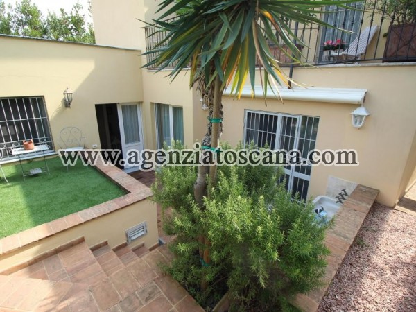 Two-family House In Forte Dei Marmi Central Area