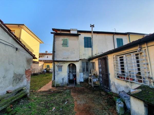 Riferimento 2F2510 - Casa Indipendente in Vendita a Torre Del Lago Puccini