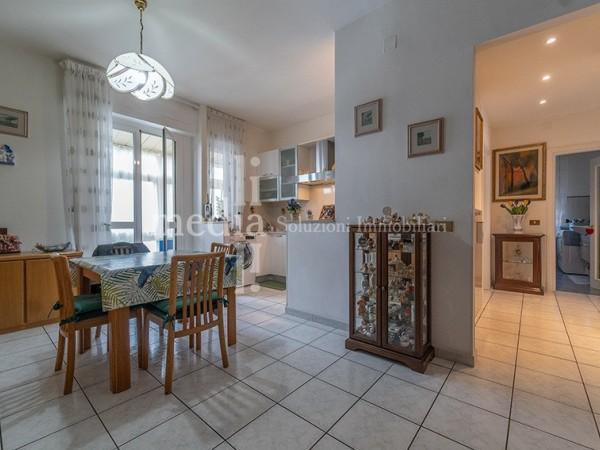 Riferimento 1727 - Appartamento in Vendita a Zona Mare
