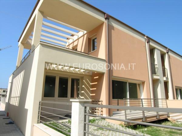 Riferimento ST 8503 - Villetta in Vendita a Lido Di Camaiore