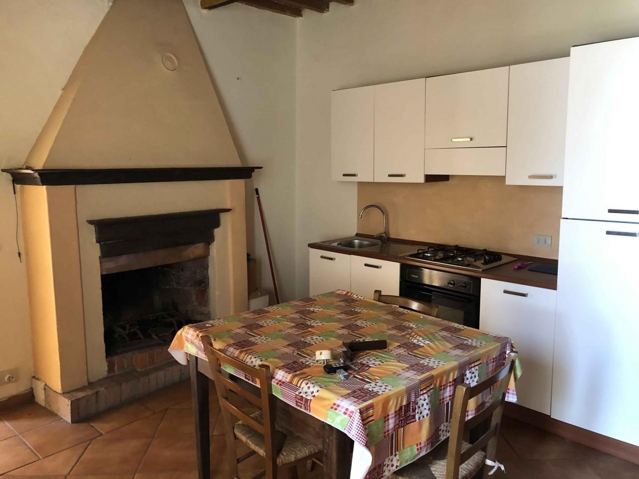 Appartamento in affitto a Chiusdino, 2 locali, prezzo € 320 | CambioCasa.it