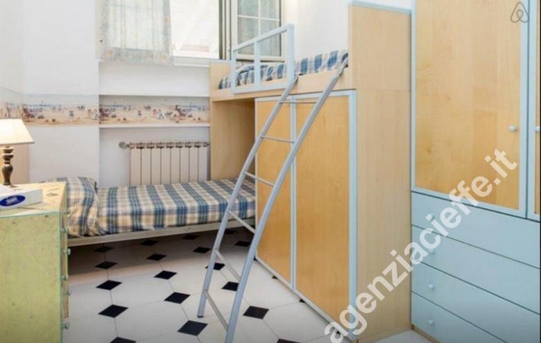 Agenzia Cieffe - camera da letto in Versilia - appartamento da vendere a Forte dei Marmi @agenziacieffe.it
