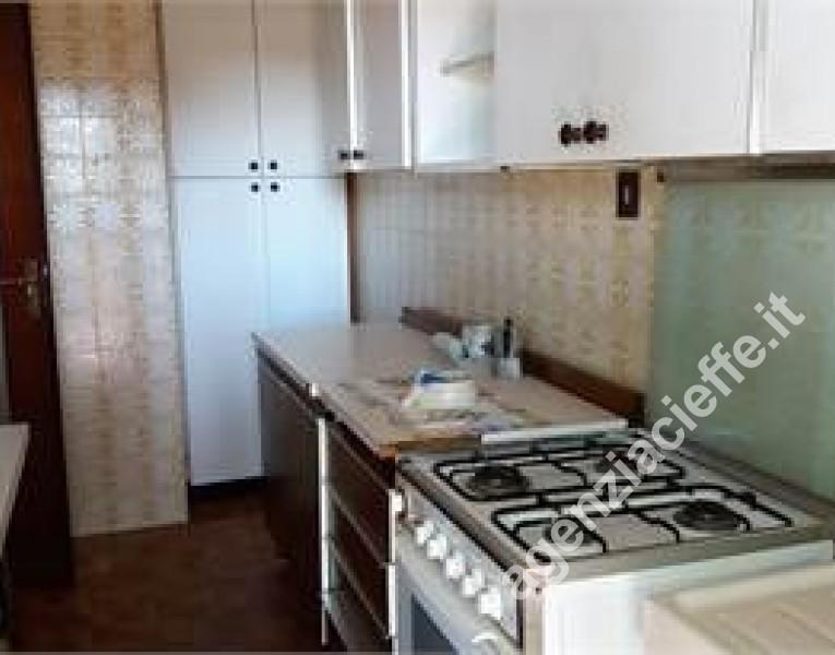cucina in appartamento da vendere vicino al mare - Marina di Massa